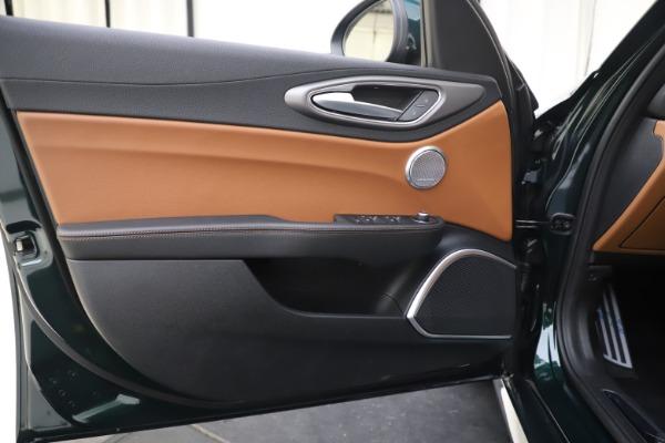 New 2020 Alfa Romeo Giulia Ti Sport Q4 for sale $54,995 at Aston Martin of Greenwich in Greenwich CT 06830 17