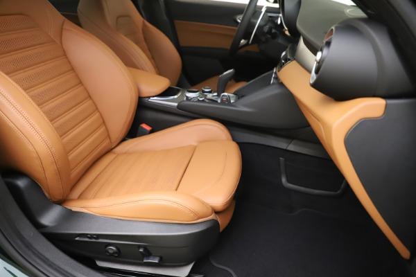 New 2020 Alfa Romeo Giulia Ti Sport Q4 for sale $54,995 at Aston Martin of Greenwich in Greenwich CT 06830 24