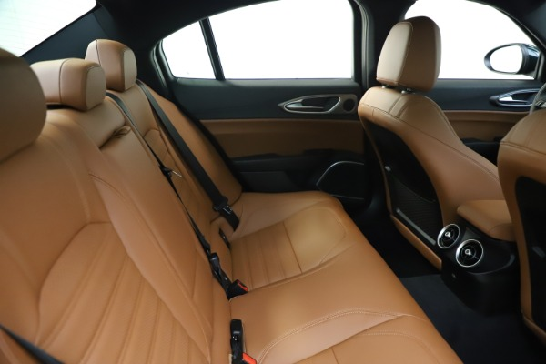New 2020 Alfa Romeo Giulia Ti Sport Q4 for sale $54,995 at Aston Martin of Greenwich in Greenwich CT 06830 27