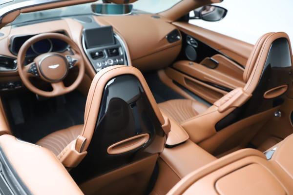 New 2020 Aston Martin DB11 Volante Volante for sale $264,266 at Aston Martin of Greenwich in Greenwich CT 06830 17
