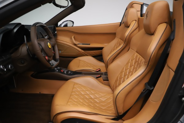 Used 2012 Ferrari 458 Spider for sale $176,900 at Aston Martin of Greenwich in Greenwich CT 06830 19