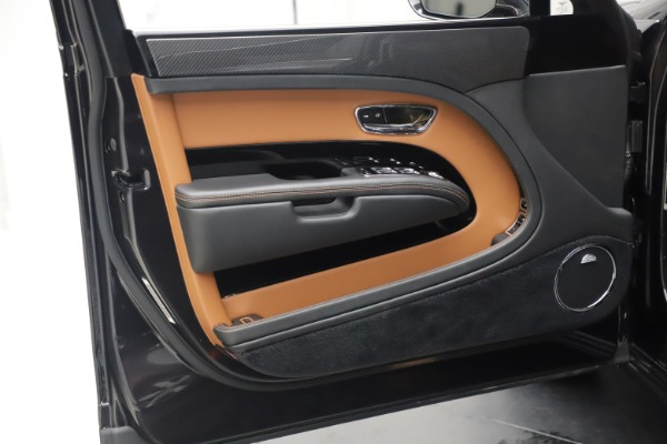 Used 2016 Bentley Mulsanne Speed for sale Call for price at Aston Martin of Greenwich in Greenwich CT 06830 17