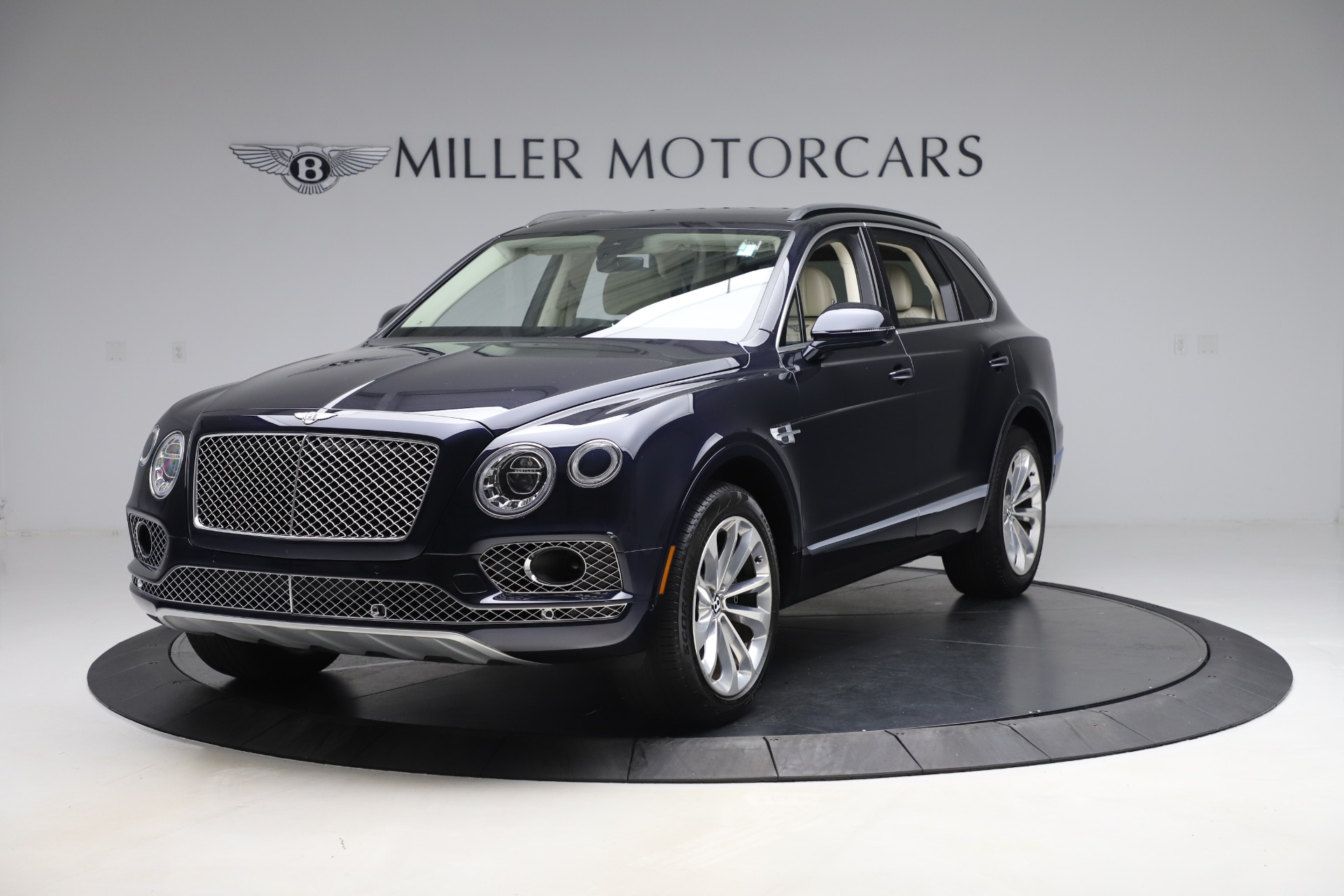 Used 2017 Bentley Bentayga W12 for sale $139,900 at Aston Martin of Greenwich in Greenwich CT 06830 1