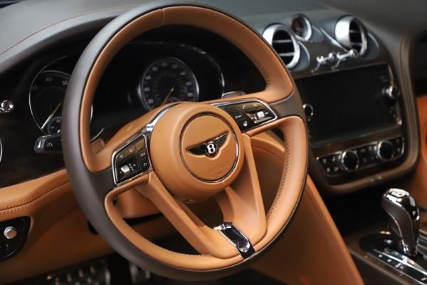 Used 2017 Bentley Bentayga W12 for sale $149,900 at Aston Martin of Greenwich in Greenwich CT 06830 18