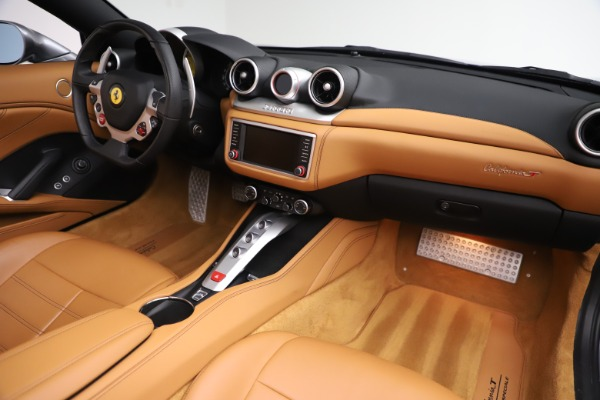 Used 2017 Ferrari California T for sale Sold at Aston Martin of Greenwich in Greenwich CT 06830 24