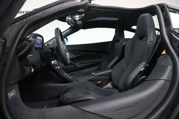 New 2020 McLaren 720S Performance for sale $347,550 at Aston Martin of Greenwich in Greenwich CT 06830 19