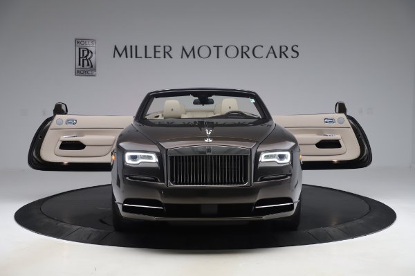 Used 2017 Rolls-Royce Dawn Base for sale $248,900 at Aston Martin of Greenwich in Greenwich CT 06830 10