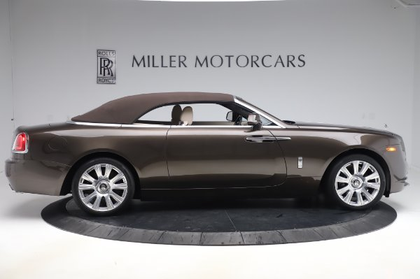Used 2017 Rolls-Royce Dawn Base for sale $248,900 at Aston Martin of Greenwich in Greenwich CT 06830 18