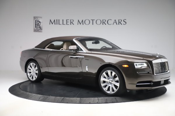 Used 2017 Rolls-Royce Dawn Base for sale $248,900 at Aston Martin of Greenwich in Greenwich CT 06830 19