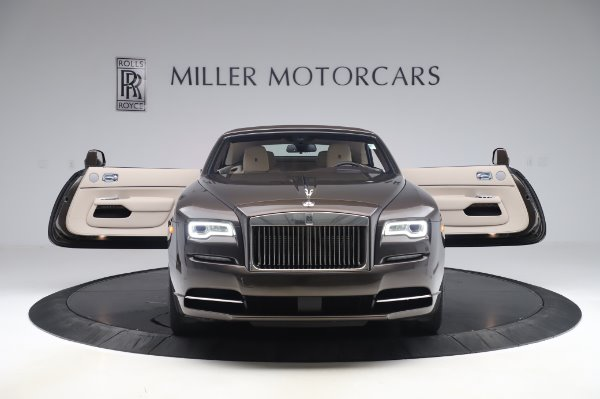Used 2017 Rolls-Royce Dawn Base for sale $248,900 at Aston Martin of Greenwich in Greenwich CT 06830 20