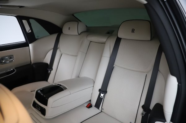 Used 2015 Rolls-Royce Ghost Base for sale Call for price at Aston Martin of Greenwich in Greenwich CT 06830 14