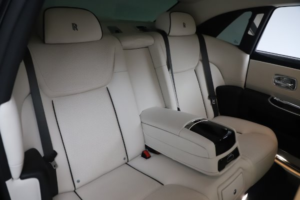 Used 2015 Rolls-Royce Ghost for sale $159,900 at Aston Martin of Greenwich in Greenwich CT 06830 15