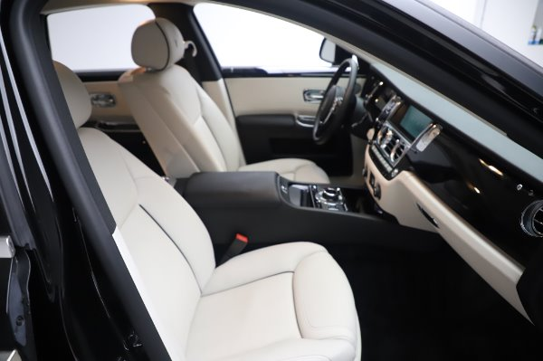 Used 2015 Rolls-Royce Ghost Base for sale Call for price at Aston Martin of Greenwich in Greenwich CT 06830 16