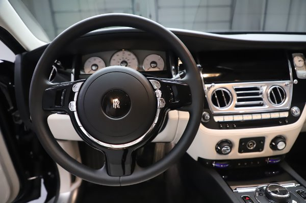Used 2015 Rolls-Royce Ghost for sale $159,900 at Aston Martin of Greenwich in Greenwich CT 06830 18