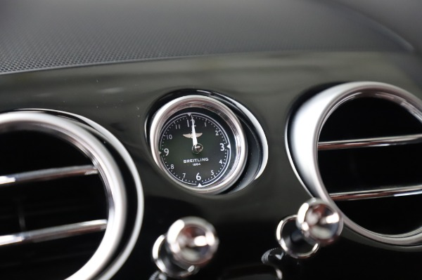 Used 2018 Bentley Flying Spur V8 S for sale $149,900 at Aston Martin of Greenwich in Greenwich CT 06830 26