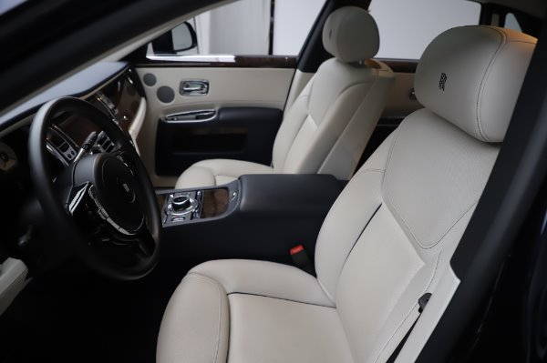 Used 2016 Rolls-Royce Ghost for sale $173,900 at Aston Martin of Greenwich in Greenwich CT 06830 12