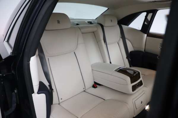 Used 2016 Rolls-Royce Ghost for sale $173,900 at Aston Martin of Greenwich in Greenwich CT 06830 15
