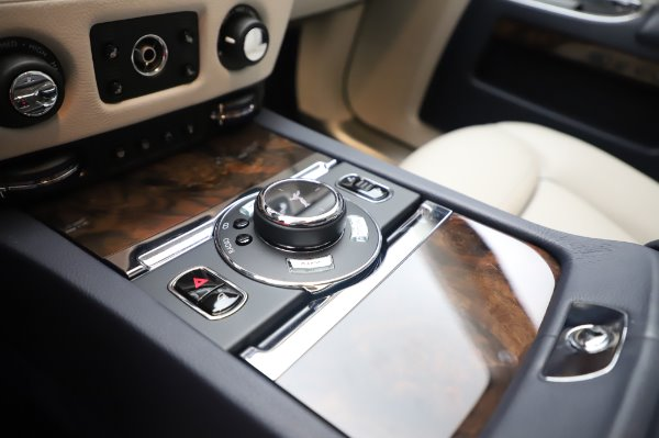 Used 2016 Rolls-Royce Ghost for sale $173,900 at Aston Martin of Greenwich in Greenwich CT 06830 20