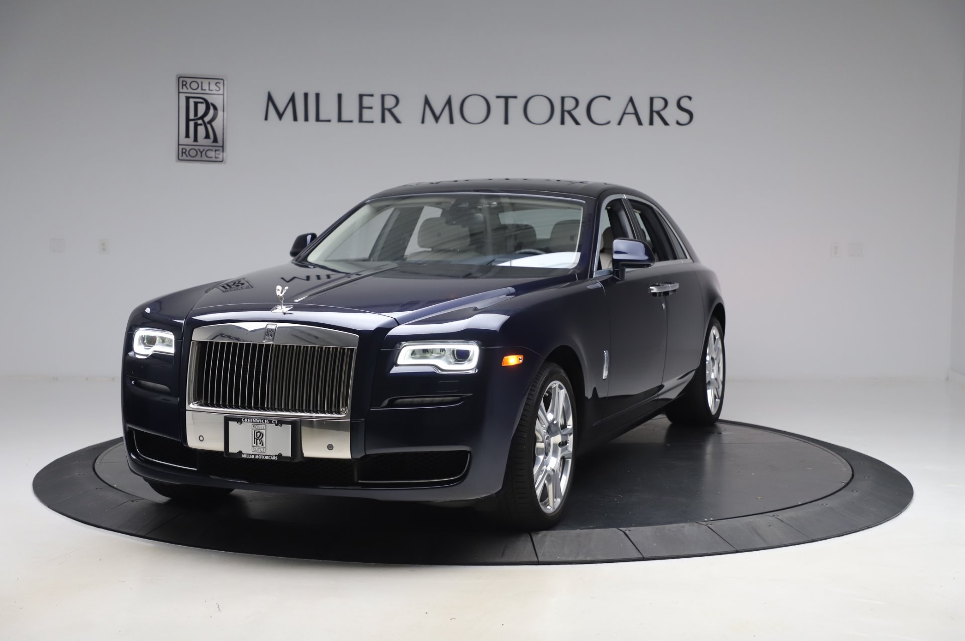 Used 2016 Rolls-Royce Ghost for sale $173,900 at Aston Martin of Greenwich in Greenwich CT 06830 1