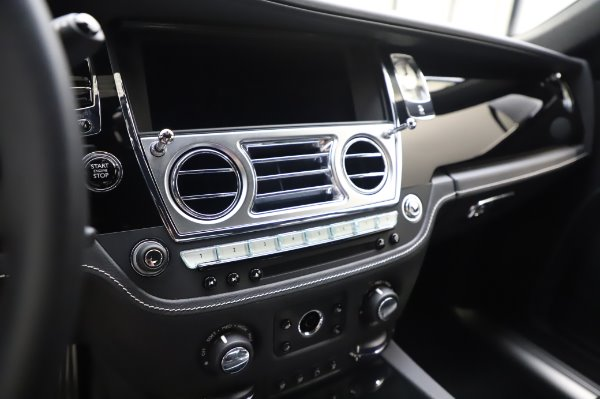 Used 2018 Rolls-Royce Ghost for sale $247,900 at Aston Martin of Greenwich in Greenwich CT 06830 17