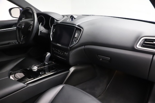 Used 2017 Maserati Ghibli S Q4 for sale Sold at Aston Martin of Greenwich in Greenwich CT 06830 19