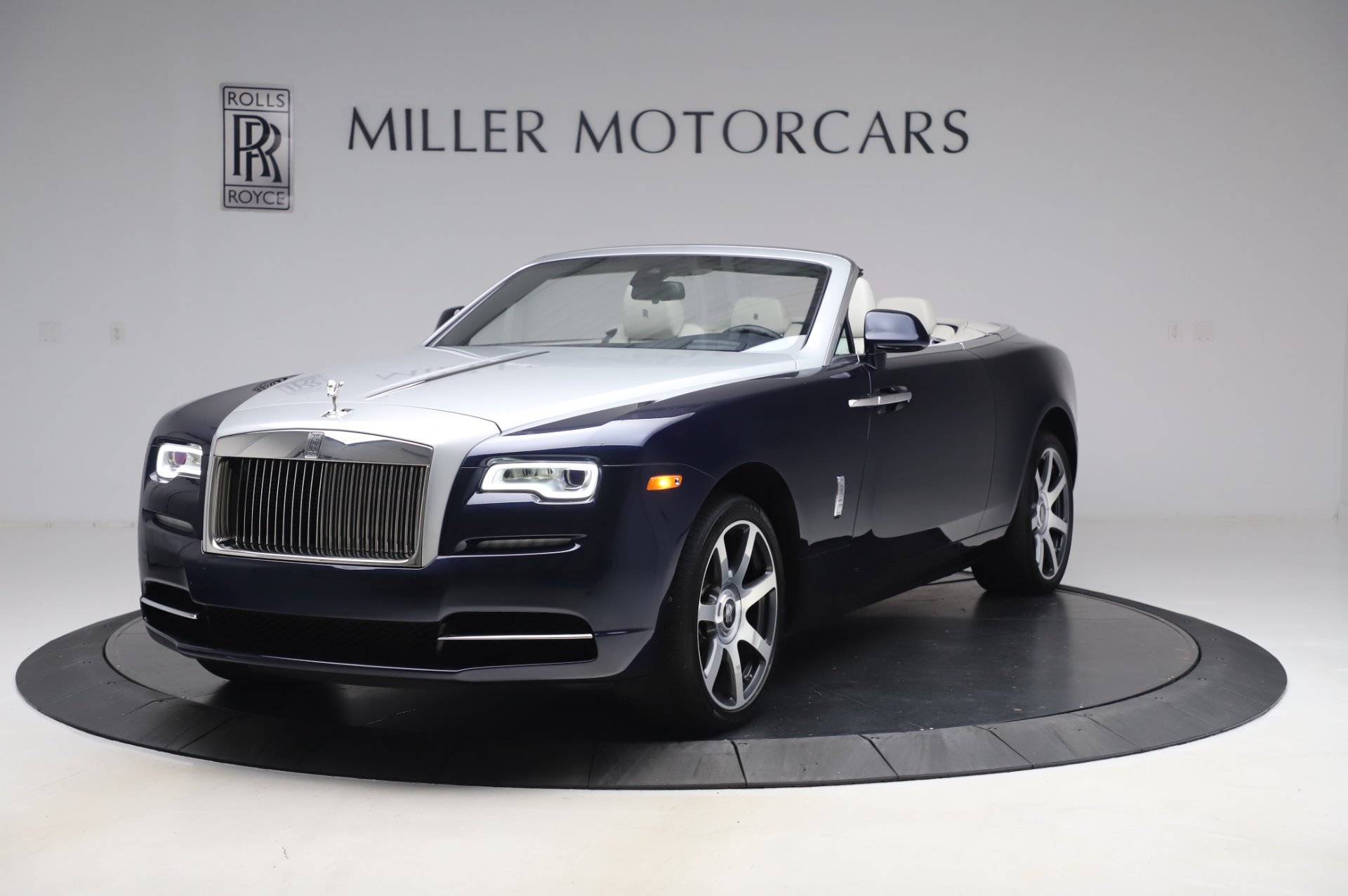 Used 2017 Rolls-Royce Dawn for sale $259,900 at Aston Martin of Greenwich in Greenwich CT 06830 1