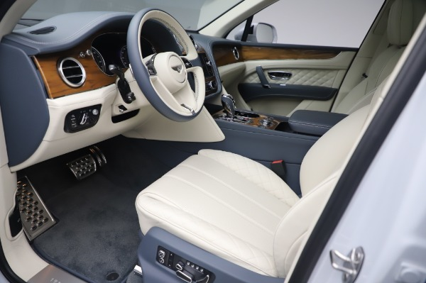 Used 2020 Bentley Bentayga Hybrid for sale $189,900 at Aston Martin of Greenwich in Greenwich CT 06830 18