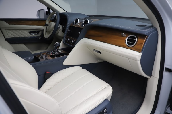 Used 2020 Bentley Bentayga Hybrid for sale $189,900 at Aston Martin of Greenwich in Greenwich CT 06830 26