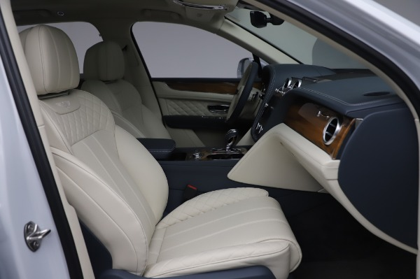 Used 2020 Bentley Bentayga Hybrid for sale $189,900 at Aston Martin of Greenwich in Greenwich CT 06830 27