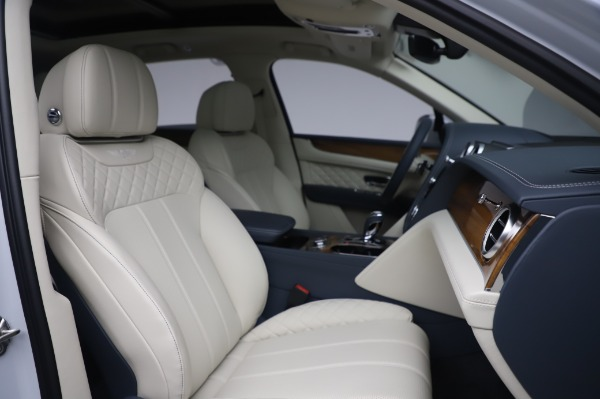 Used 2020 Bentley Bentayga Hybrid for sale $189,900 at Aston Martin of Greenwich in Greenwich CT 06830 28