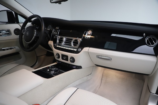 Used 2014 Rolls-Royce Wraith for sale $165,900 at Aston Martin of Greenwich in Greenwich CT 06830 21