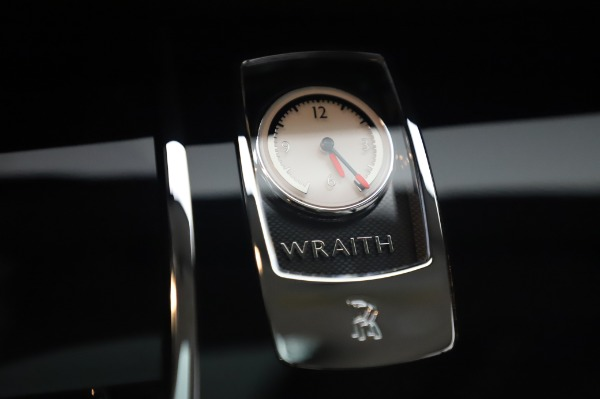 Used 2014 Rolls-Royce Wraith for sale $165,900 at Aston Martin of Greenwich in Greenwich CT 06830 25