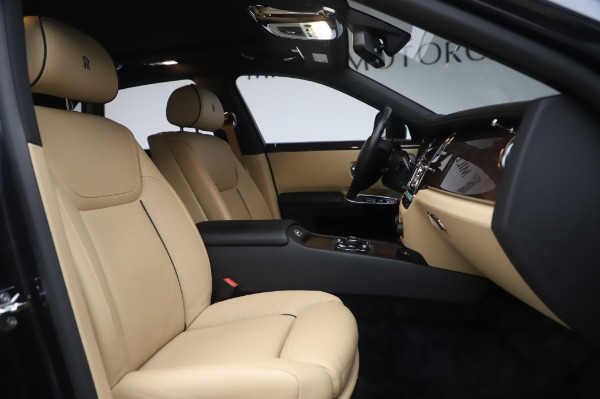 Used 2016 Rolls-Royce Ghost for sale $175,900 at Aston Martin of Greenwich in Greenwich CT 06830 16