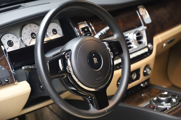 Used 2016 Rolls-Royce Ghost for sale $175,900 at Aston Martin of Greenwich in Greenwich CT 06830 17