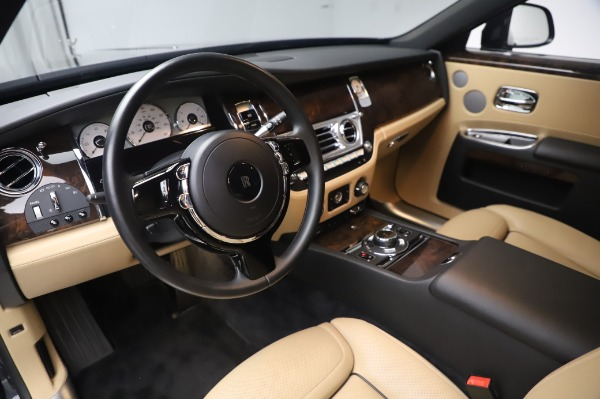 Used 2016 Rolls-Royce Ghost for sale $175,900 at Aston Martin of Greenwich in Greenwich CT 06830 18