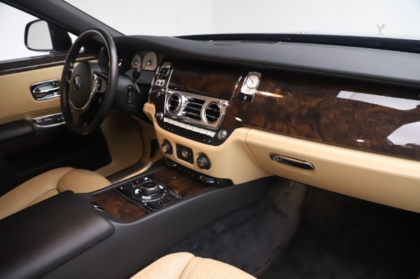Used 2016 Rolls-Royce Ghost for sale $175,900 at Aston Martin of Greenwich in Greenwich CT 06830 20