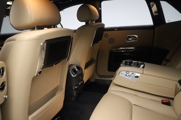Used 2016 Rolls-Royce Ghost for sale $175,900 at Aston Martin of Greenwich in Greenwich CT 06830 22