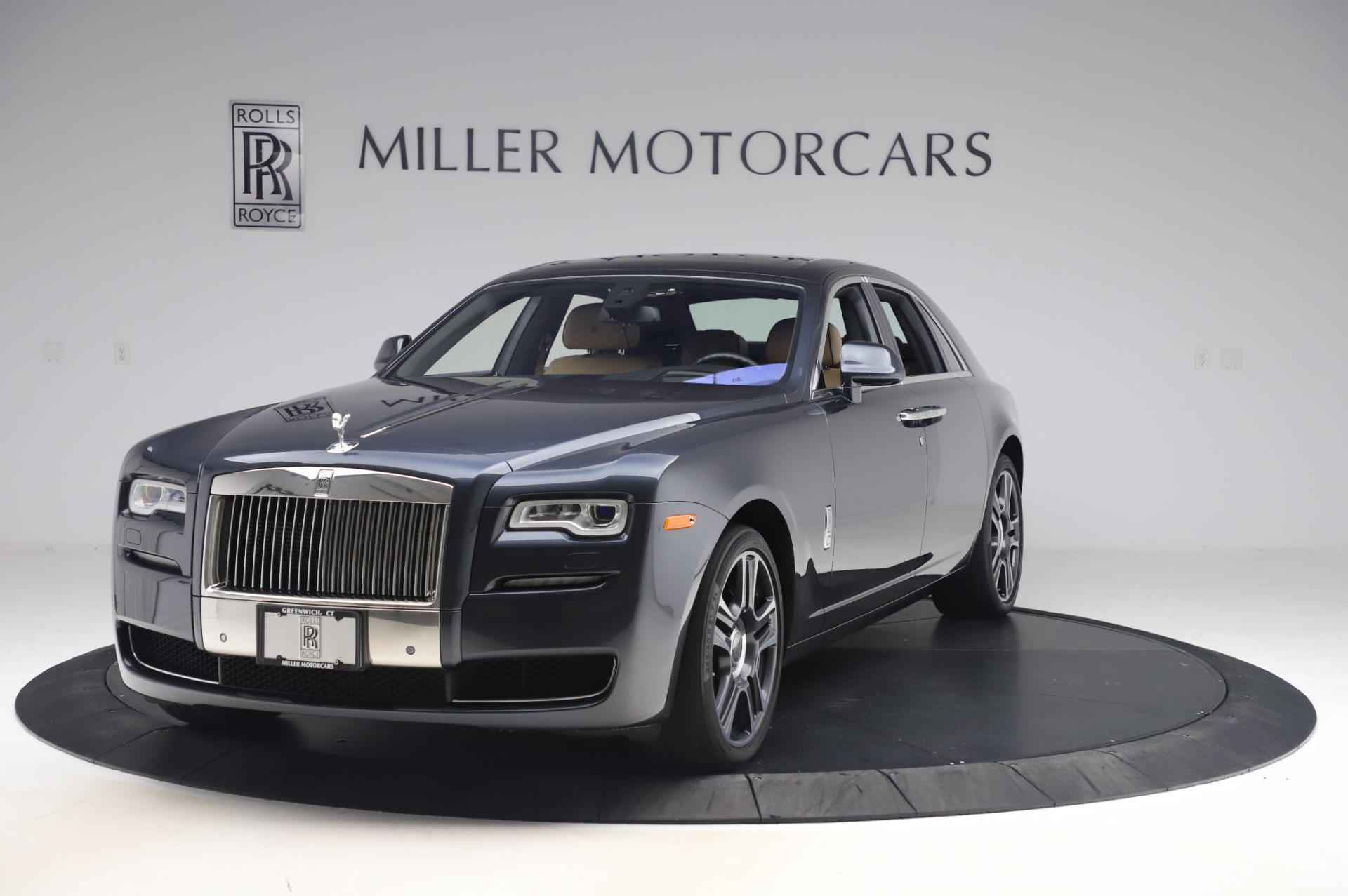 Used 2016 Rolls-Royce Ghost for sale $175,900 at Aston Martin of Greenwich in Greenwich CT 06830 1