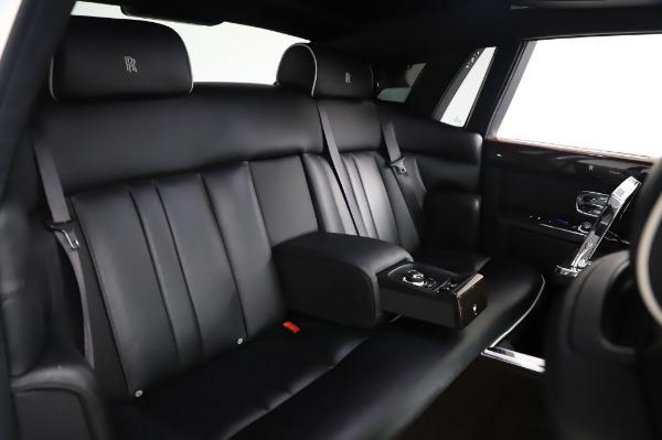 Used 2014 Rolls-Royce Phantom for sale $189,900 at Aston Martin of Greenwich in Greenwich CT 06830 16
