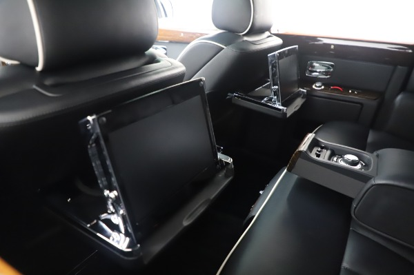 Used 2014 Rolls-Royce Phantom for sale $189,900 at Aston Martin of Greenwich in Greenwich CT 06830 19