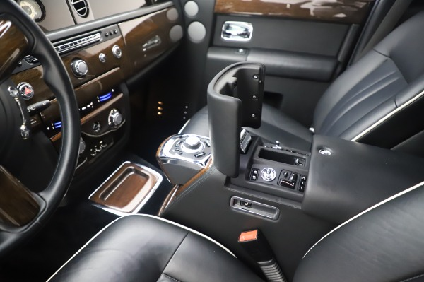 Used 2014 Rolls-Royce Phantom for sale $189,900 at Aston Martin of Greenwich in Greenwich CT 06830 22