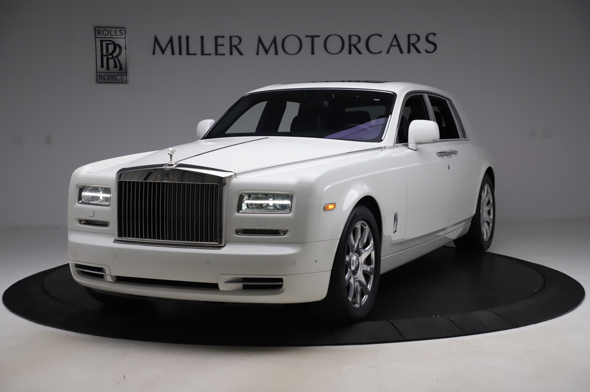Used 2014 Rolls-Royce Phantom for sale $199,900 at Aston Martin of Greenwich in Greenwich CT 06830 1