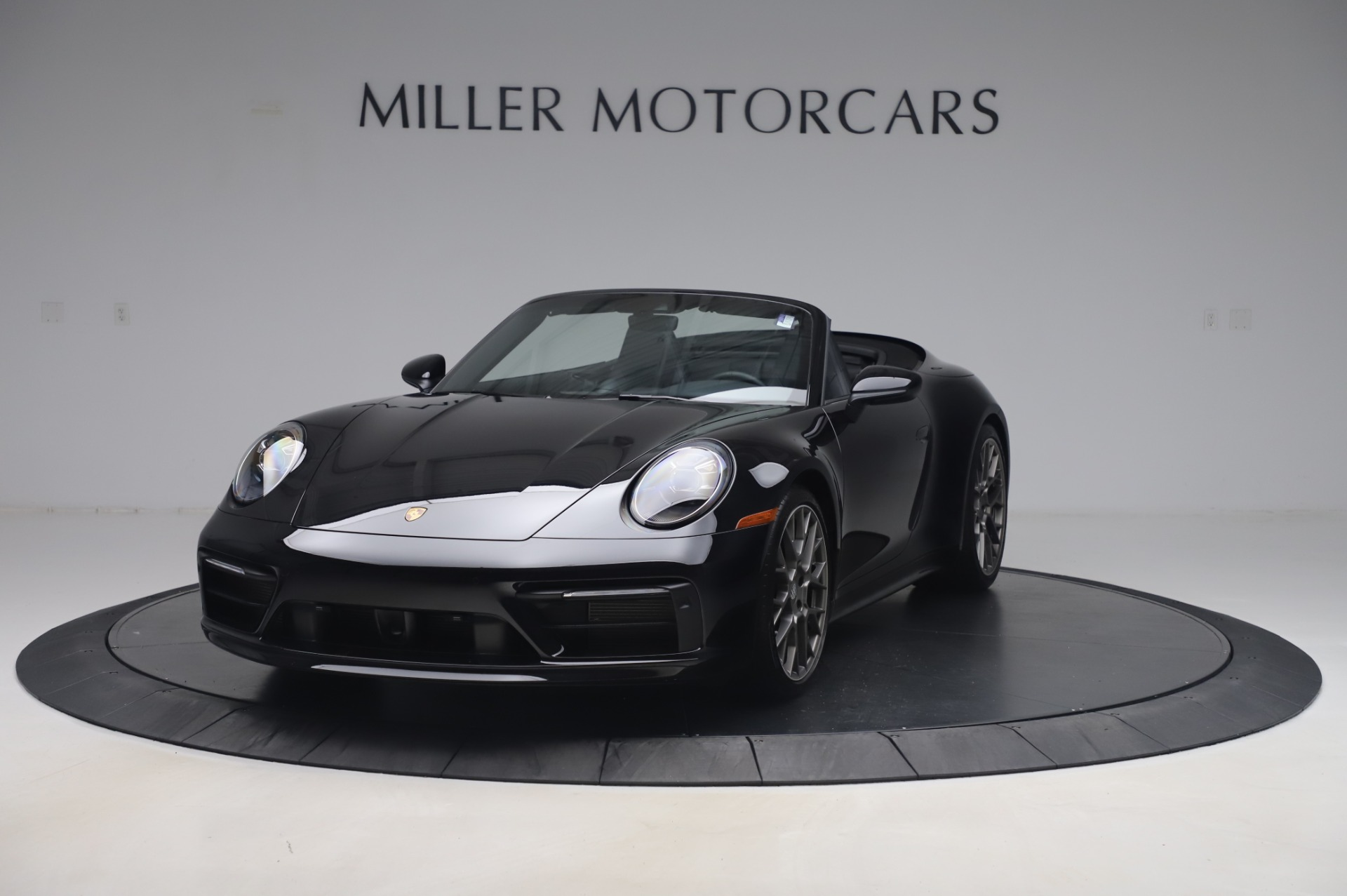 Used 2020 Porsche 911 Carrera 4S for sale $142,900 at Aston Martin of Greenwich in Greenwich CT 06830 1