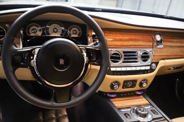 Used 2015 Rolls-Royce Wraith for sale Sold at Aston Martin of Greenwich in Greenwich CT 06830 17