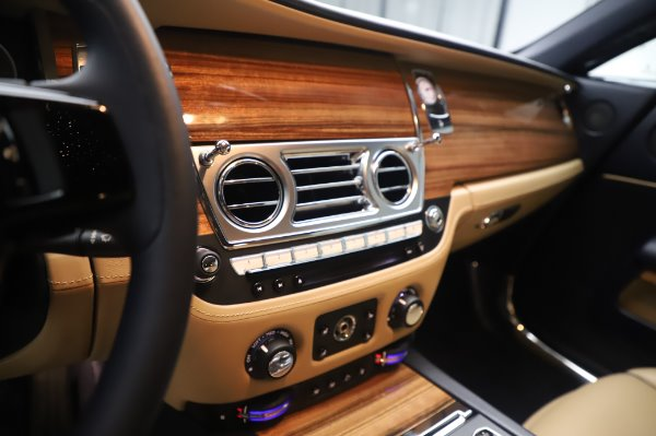 Used 2015 Rolls-Royce Wraith for sale Sold at Aston Martin of Greenwich in Greenwich CT 06830 20