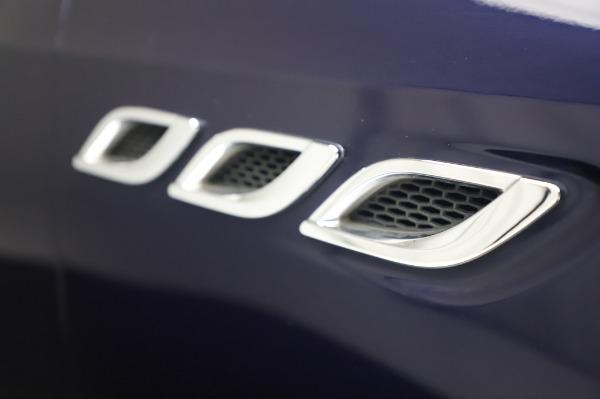 Used 2017 Maserati Quattroporte S Q4 GranLusso for sale Sold at Aston Martin of Greenwich in Greenwich CT 06830 27