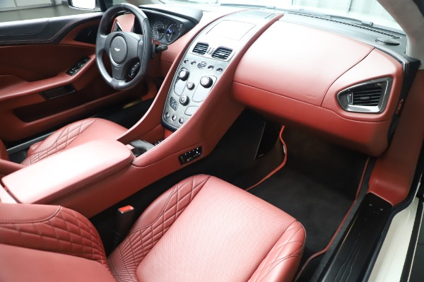 Used 2018 Aston Martin Vanquish S Volante for sale $193,900 at Aston Martin of Greenwich in Greenwich CT 06830 19