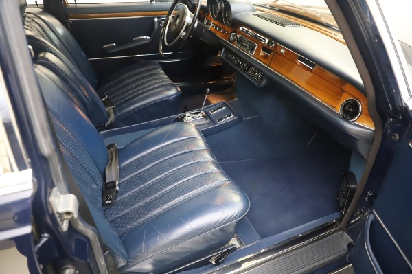 Used 1971 Mercedes-Benz 300 SEL 6.3 for sale $117,000 at Aston Martin of Greenwich in Greenwich CT 06830 21