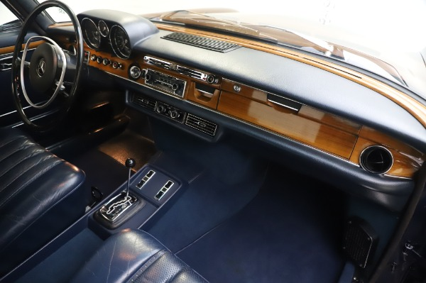 Used 1971 Mercedes-Benz 300 SEL 6.3 for sale $117,000 at Aston Martin of Greenwich in Greenwich CT 06830 22