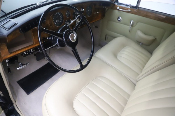 Used 1965 Rolls-Royce Silver Cloud III for sale $99,900 at Aston Martin of Greenwich in Greenwich CT 06830 14